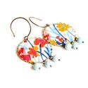 Virágbomba - textilékszer - fülbevaló, Ékszer, óra, Fülbevaló, A fülbevaló a következő anyagokból készült:   * fehér alapon színes virágok kék, sárga és piros szín..., Meska