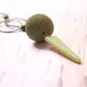Zöld háromszög - hosszú nyaklánc, Ékszer, óra, Nyaklánc, A nyaklánc a következő anyagokból van:   * sárgaréz ovális karikák * nagy zöld gyöngy és műanyag hár..., Meska