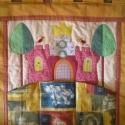 Mesefalvédő, tárolózsebekkel, Baba-mama-gyerek, Gyerekszoba, Baba falikép, Falvédő, Patchwork, foltvarrás, Pamutvászonból készítettem, saját tervek alapján ezt a gyerekszobai faliképet,  amely zsebekkel ell..., Meska