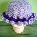 """Horgolt kislány kalap"""" Orchidea"""", Baba-mama-gyerek, Ruha, divat, cipő, Kendő, sál, sapka, kesztyű, Sapka, Horgolás, Tündéri tavaszi kislány kalap készült.  Halványlila és sötétlila színű baba barát akril fonalból.Ol..., Meska"""