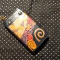 Klimtes kulcstartó, Mindenmás, Kulcstartó, Bőrművesség, Sötétkék marhabőr alapon Klimt ihlette mintával díszített, 6- os karabínerrel ellátott kulcstartó s..., Meska