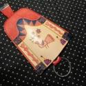 Éneklő madár kulcstartó, Mindenmás, Kulcstartó, Bőrművesség, Piros és natúr marhabőr alapon magyar népművészeti mintával díszített behúzós kulcstartó. Méretei:11..., Meska