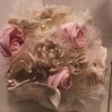 """Romantikus csokor, Dekoráció, Esküvő, Virágkötés, 30 cm magas """"dobó"""" csokor, vagy dísz, vagy dekoráció. Beige, rózsaszín, csipke, szatén, sisal, gyön..., Meska"""