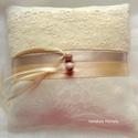 Csipkés gyűrűpárna, Esküvő, Gyűrűpárna, Varrás, Krém színű csipkés gyűrűpárna 15x15 cm Egyedi darab, Meska