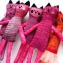 Cica játék, Baba-mama-gyerek, Játék, Baba-és bábkészítés, Varrás, Cica figura kötött anyagból és pamut textilből varrva.  30cm magas, Meska