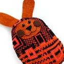 Nyuszi játék, Baba-mama-gyerek, Játék, Varrás, Baba-és bábkészítés, Nyuszi élénk színű kötött anyagból varrva, filc pofival és fülekkel.  10 cm magas 100% handmade, Meska