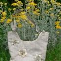 """Natúr virágos """"Bronwyn"""" táska , Táska, Mindenmás, Ruha, divat, cipő, Válltáska, oldaltáska, Varrás,  Mesefilm ihlette ezt a nádszövet mintázatú vászonból készült egyedi táskát.                       ..., Meska"""
