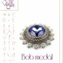 Bob medál... minta egyéni felhasználásra, Mindenmás, Csináld magad leírások, Mindenmás, Bob medál egy újabb 27 mm-es swarovski rivoli körbeölelgetése.   A minta tartalma Részletes lépésről..., Meska