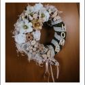 Vintage kopogtató ajtódísz, Dekoráció, Otthon, lakberendezés, Dísz, Virágkötés, Moha alapú virágos,vidám ajtódísz,csipkével,HOME felirattal. Mérete:27cm Egy szimpla mohakoszorút dí..., Meska