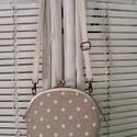 Pöttyös csipkés  oldaltáska, Mindenmás, Táska, Válltáska, oldaltáska, Mindenmás, 20 cm-es keretre készült táska.Dupla béléssel.Állítható hosszúságú pánttal. Mérete:magassága:27cm  ..., Meska