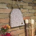 Virágos táska, Táska, Válltáska, oldaltáska, Mindenmás, 20cm-es keretre készült oldaltáska.Állítható hosszúságú pánttal,pöttyös béléssel. Mérete:        23..., Meska
