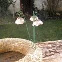 Tavasz, Dekoráció, Otthon, lakberendezés, Dísz, Kerámia, .Fehérre égő agyagból készítettem ezeket a  virágokat.   .A teljes virágfej mérete 2,8x2 cm.Zöld sz..., Meska