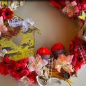 Tavaszi/nyári piros nagykoszorú, Dekoráció, Otthon, lakberendezés, Dísz, Húsvéti apróságok, Decoupage, szalvétatechnika, Virágkötés, Egy romantikus piros és barack árnyalatú 30cm-es átmérőjű nagy ajtódíszt készítettem, melyet piros ..., Meska
