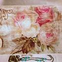 Rózsás doboz, Otthon, lakberendezés, Tárolóeszköz, Doboz, Decoupage, szalvétatechnika, Festett tárgyak, 23,5x15x8,5 cm nagyságú gyönyörű rózsás doboz. Csipke ,rózsás szalvéta és stencil minta teszi igazá..., Meska