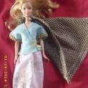 Barbie hercegnő ruha arany palásttal, Baba-mama-gyerek, Játék, Baba, babaház, Húsvéti apróságok, Varrás, Felül virágmintás vászon, alul világoskék vászon anyagból vastag arany önmagában mintás szegéllyel ..., Meska
