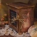 Húsvéti tojástartó doboz, Otthon, lakberendezés, Dekoráció, Húsvéti apróságok, Decoupage, szalvétatechnika, Country mintájú kakasos-tyúkos húsvéti koptatott fa láda, dekorációnak vagy asztalra , pultra tojás..., Meska