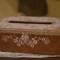 Törlőkendő, papírkendő tartó barna-bronz elegancia, Otthon, lakberendezés, Tárolóeszköz, Doboz, Decoupage, szalvétatechnika, Fából készült nagyméretű törlőkendő tartó dobozka, az oldalán kihúzható tárolóval melybe a  papír d..., Meska