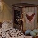 Húsvéti tojástartó doboz, Otthon, lakberendezés, Dekoráció, Húsvéti apróságok, Decoupage, szalvétatechnika, Country mintájú húsvéti koptatott fa láda, dekorációnak vagy asztalra , pultra tojások , 12 db tojá..., Meska