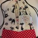 Cicás hátizsák, tornazsák, Táska, Hátizsák, Varrás, Cicás és pöttyös vászonból készítettem sok-sok cicával, szeretettel. Mérete: 33 x 39 cm  Személyes ..., Meska