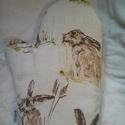 Barna nyuszi,  edényfogó kesztyű, Konyhafelszerelés, Edényfogó, Varrás, Barna nyuszi, len hatású anyagon. A kesztyű hátoldala a konyhai törlőhöz hasonlóan barna fehér pött..., Meska