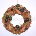 Zöld-barna kopogtató, Dekoráció, Karácsonyi, adventi apróságok, Ünnepi dekoráció, Karácsonyi dekoráció, Virágkötés, Ezt a kopogtatót fahéjjal, kerámia fenyővel,csillaggal és sok-sok üveg gömbbel díszítettük..  Méret..., Meska