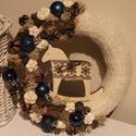 Hintalovas- karácsonyi ajtódísz, koszorú, kopogtató barna-kék színben, Otthon, lakberendezés, Karácsonyi, adventi apróságok, Dekoráció, Karácsonyi dekoráció, Virágkötés, A koszorú átmérője kb 23 cm. Apró fa hintalóval van díszítve. Az alap vászonnal lett bevonva, majd ..., Meska
