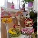 AKCIÓ! Őzikés kopogtató, Dekoráció, Otthon, lakberendezés, Dísz, Virágkötés, Különleges ajtó dekoráció,virágos anyaggal körbe tekerve, virágokkal, termésekkel, szalaggal és egy..., Meska
