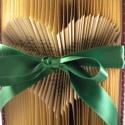 Egyedi szív formájú hajtogatott könyv - szerelmes pároknak -esküvőre -lakodalomba - Azonnal vihető!! , Dekoráció, Esküvő, Otthon, lakberendezés, Dísz, Papírművészet, Újrahasznosított alapanyagból készült termékek, Hajtogatott könyv vagy más néven könyv origami. Precíz tervezéssel és hajtogatással a megunt, nem h..., Meska