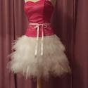 Pink menyecskeruha, Ruha, divat, cipő, Esküvői ruha, Varrás, A ruha két részből áll. Felsőrésze pink anyagból készült. Szoknyarésze fehér tüll. Mérete:34-38, Meska
