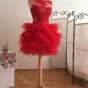 Tammy ruha, Esküvő, Menyasszonyi ruha, Varrás, A ruha felsőrészének alapja tüll, erre applikáltam csipke motívumokat. Szoknyarésze piros tüll cakk..., Meska