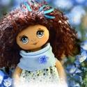 Ella baba, Baba-mama-gyerek, Játék, Baba, babaház, Baba-és bábkészítés, Varrás, 28 cm magas  textil baba.  Minden ruhadarabja levehető.   Keze, lába mozgatható.  Arca kézzel feste..., Meska