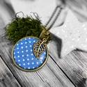 Kék pöttyös nyaklánc, Ékszer, óra, Nyaklánc, Medál, Textillel bevont gombból készült ez a nyaklánc, amit egy aprócska levél is díszít. A medál átmérője:..., Meska