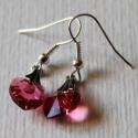 Halvány piros színű Swarovski szív fülbevaló ezüst színű szereléken, Ékszer, óra, Ékszerszett, Ékszerkészítés, Gyönyörű, halvány piros színű Swarovski szív (11mm) fülbevaló.   Az akasztók és szerelékek ezüst sz..., Meska