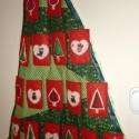 Adventi naptár (fenyőfás-piros zsebekkel), Dekoráció, Karácsonyi, adventi apróságok, Adventi naptár, Varrás, Ennek az adventi naptárnak az alapja egy patchwork technikával készült fenyőfa, amelyhez zöld fehér..., Meska