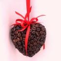 Kávé szív - RENDELHETŐ!, Dekoráció, Otthon, lakberendezés, Dísz, Mindenmás, Virágkötés, Dundi hungarocell szívecskét csokibarna akrilfestékkel lealapoztam és teleragasztgattam kávészemekke..., Meska