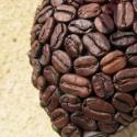 Kávé szív , Dekoráció, Otthon, lakberendezés, Dísz, Mindenmás, Virágkötés, Dundi hungarocell szívecskét csokibarna akrilfestékkel lealapoztam és teleragasztgattam kávészemekk..., Meska