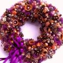 Padlizsán-aranybarna karácsonyi koszorú - RENDELHETŐ!, Dekoráció, Karácsonyi, adventi apróságok, Ünnepi dekoráció, Dísz, Virágkötés, Mindenmás, Kérésre szívesen elkészítem újra.  A kupacsokba gyöngyöket rejtettem, a sok barna termést kandiscuk..., Meska