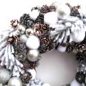 Téli fenyőerdő - karácsonyi koszorú - RENDELHETŐ!, Dekoráció, Ünnepi dekoráció, Dísz, Virágkötés, Mindenmás, Tobozok és ágak, köztük és rajtuk hó és jég, semmi egyéb.   (A fenyő nem valódi, így nincsen illata..., Meska