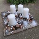 """""""Havas téli táj"""" - adventi dísz fakéreg alapon, Dekoráció, Karácsonyi, adventi apróságok, Otthon, lakberendezés, Karácsonyi dekoráció, Virágkötés, Ezt a díszt fakéreg lemezre készítettem, hófehér gyertyákkal és apró """"hógolyókkal"""" , pici ezüsttel ..., Meska"""