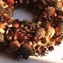 Soproni séta - terméskoszorú , Dekoráció, Otthon, lakberendezés, Mindenmás, Virágkötés, A tavalyi őszi szünetben a soproni botanikus kertben gyűjtögettünk, ennek gyümölcse ez a koszorú. N..., Meska