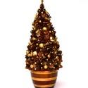 Aranybarna - termés-karácsonyfa, Dekoráció, Otthon, lakberendezés, Mindenmás, Virágkötés, Aranyosan csillogó barna termések, karácsonyi köntösben. Nem zöld és sajnos nem fenyőillatú, viszon..., Meska