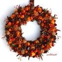 Rozsdás hecsedli - őszi termés-koszorú - KÉSZTERMÉK, Dekoráció, Otthon, lakberendezés, Mindenmás, Virágkötés, Tobzódom az őszi színekben :) Ezen a koszorún a gipszből készült és festett csipkebogyók pirosát a ..., Meska