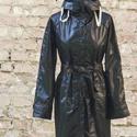 Fekete esőkabát, Ruha, divat, cipő, Női ruha, Kabát, Vízálló anyagból készült kapucnis esőkabát. Ha nem kell már, a kapucnijába fordítva táskává alakítha..., Meska