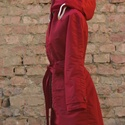 Piros esőkabát, Ruha, divat, cipő, Női ruha, Kabát, Vízálló anyagból készült kapucnis esőkabát. Ha nem kell már, a kapucnijába fordítva táskává alakítha..., Meska