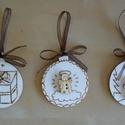 """Karácsonyfagömb alakú fadísz - 3db, Dekoráció, Karácsonyi, adventi apróságok, Ünnepi dekoráció, Karácsonyi dekoráció, Famegmunkálás, 3 darab fa """"gömb"""", amibe égetéssel készítettem a különböző háttereket és rájuk ragasztottam egy fáb..., Meska"""