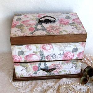 """Ékszertartó - Párizs rózsái fiókos , Ékszer, Ékszerdoboz, Ékszertartó, Decoupage, transzfer és szalvétatechnika, Papírművészet, Igazi ajándék egy ilyen energiát sugárzó, lányos """"kincsesláda. Kívülről és belülről selyemfényű lak..., Meska"""