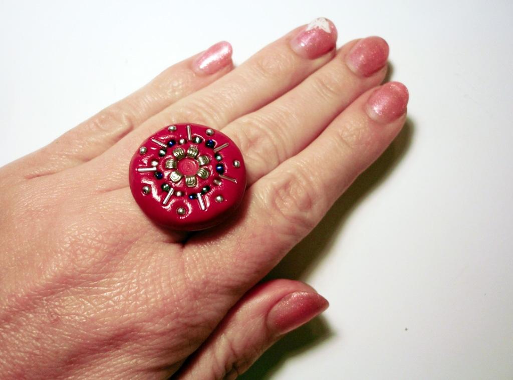 838bc711a4 Szeretnél Te is magadnak egy ilyen szemmágnesként működő, egyedi gyűrűt?  Most megmutatjuk, hogyan készítheted el a saját verziódat!