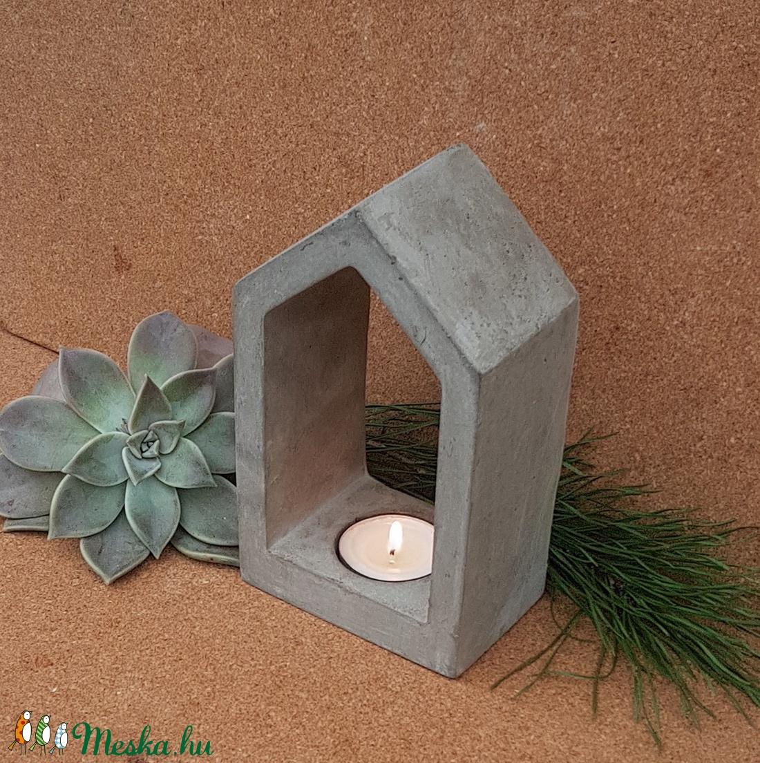 Házikó gyertyatartó betonból - feliratozható - otthon & lakás - dekoráció - gyertya & gyertyatartó - Meska.hu