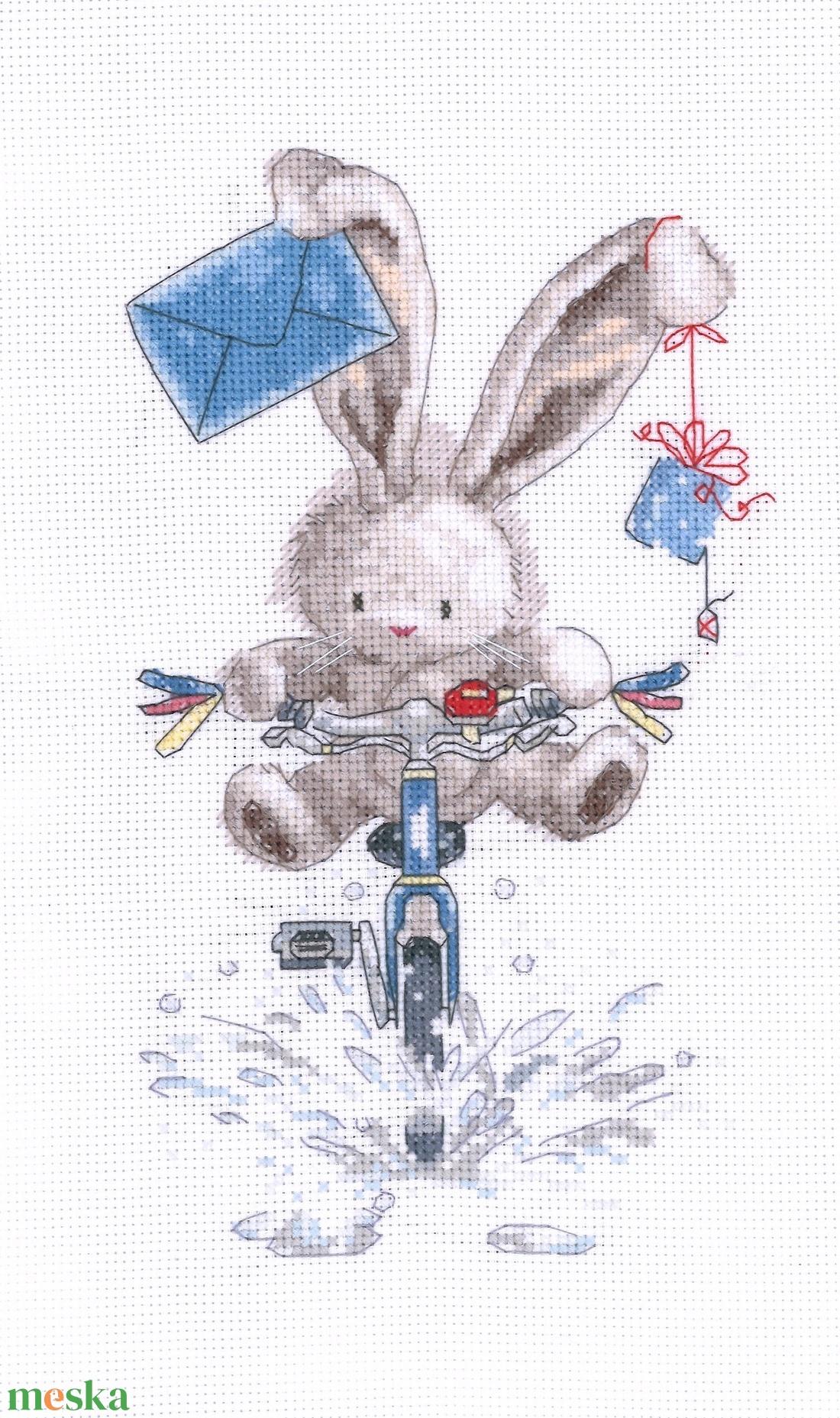 Bebunni - Biciklis postás - Meska.hu