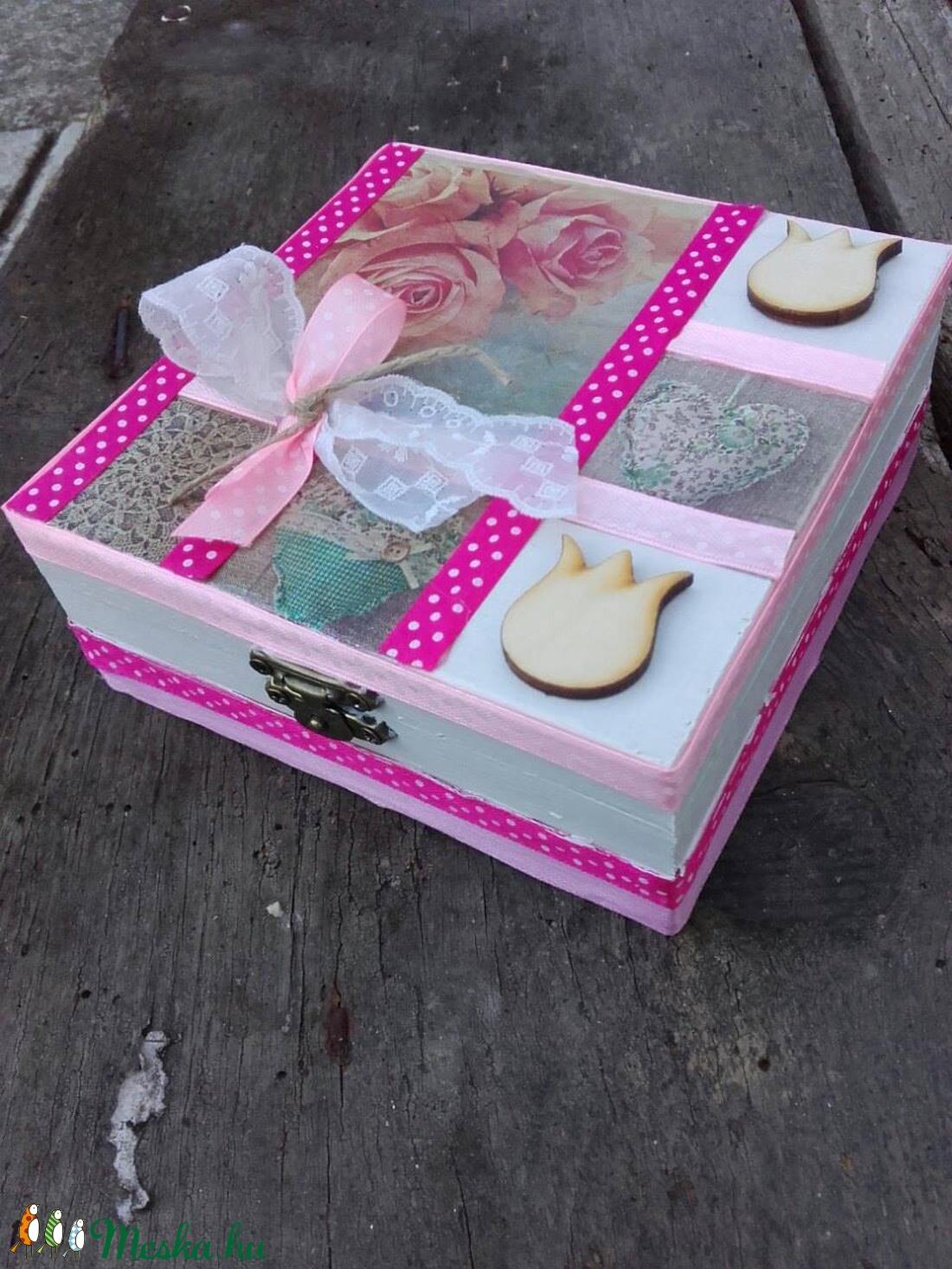 FEHÉR-RÓZSASZÍN virágos kis doboz-KÉSZTERMÉK - otthon & lakás - dekoráció - díszdoboz - Meska.hu